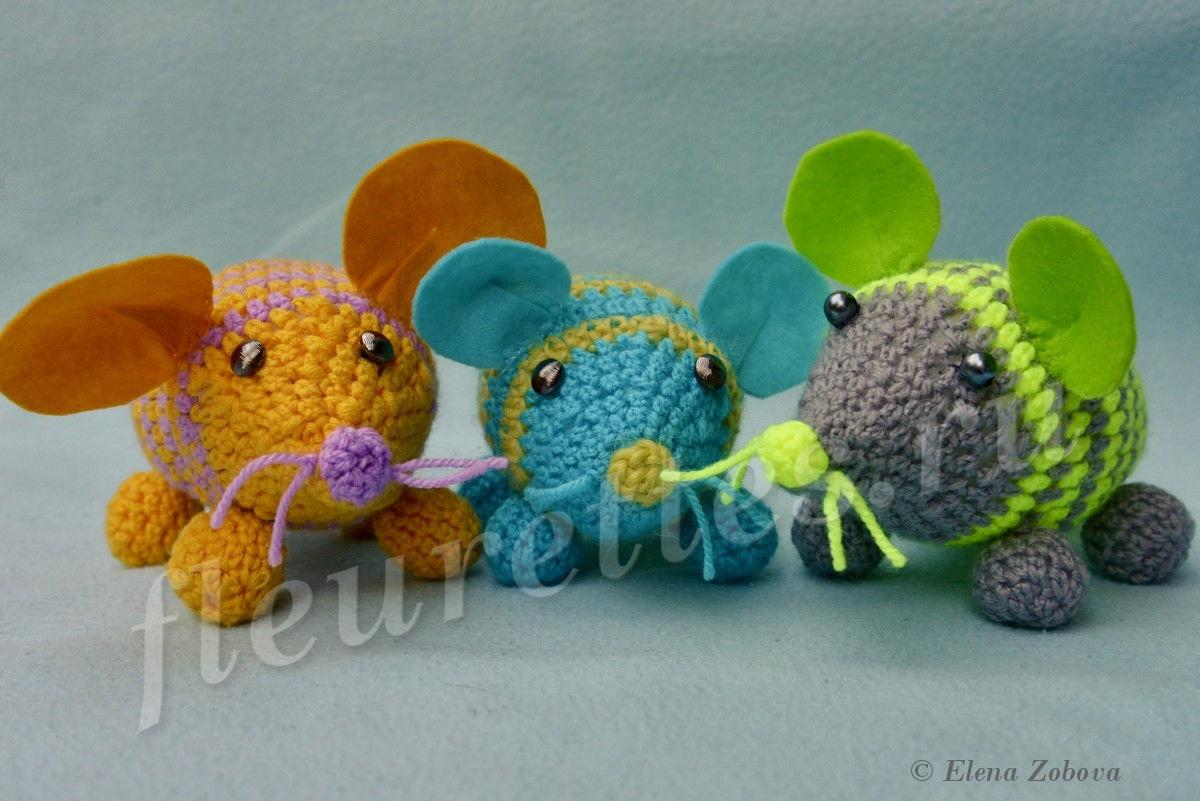 """Вязаные игрушки """"Мышки-норушки"""""""